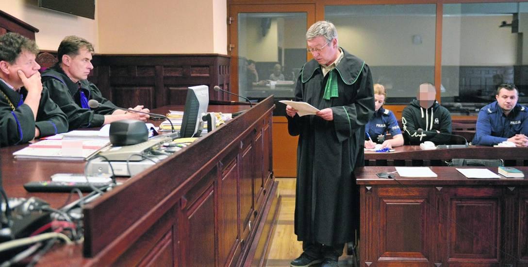Sąd zgodził się z kwalifikacją czynu z aktu oskarżenia, ale wymierzył Tomaszowi G. karę dwukrotnie niższą. Sędzia Jacek Żółć stwierdził, że nie może