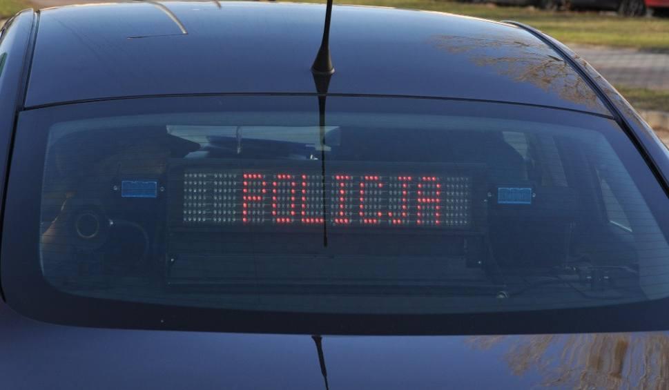 Film do artykułu: Policyjny pościg w gminie Morawica. Opel vectra wylądował w rowie