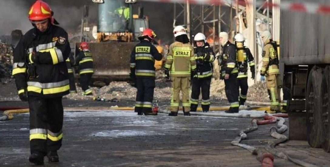 Strażacy gasili pożar przez kilka dni