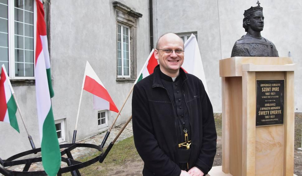 Film do artykułu: Prezydent Węgier odwiedzi w sobotę bazylikę na Świętym Krzyżu. Znamy szczegóły prywatnej wizyty