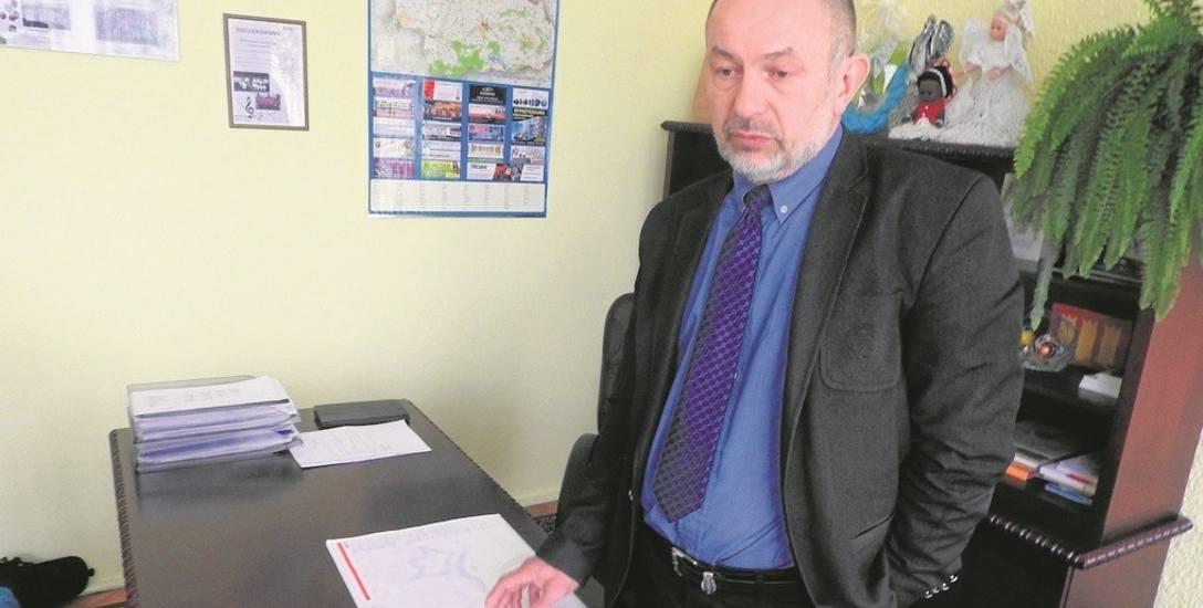 """Wójt Tadeusz Łopata przyznaje, że jest w szoku. Twierdzi, że odkąd rządzi gminą, już wiele razy był celem """"mowy nienawiści"""". Ale do tej pory nikt nie"""