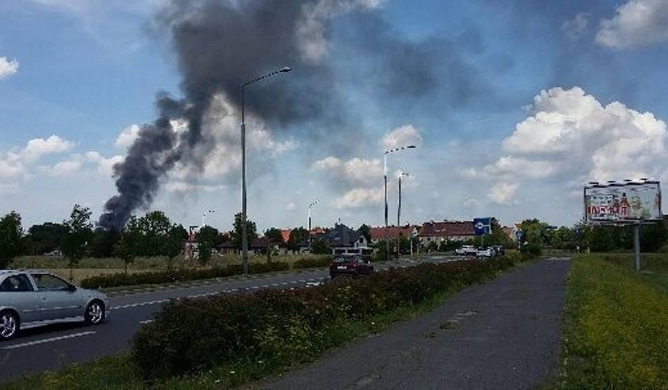 Film do artykułu: Pożar w Zabrzu: W Mikulczycach płonęły plastikowe śmieci