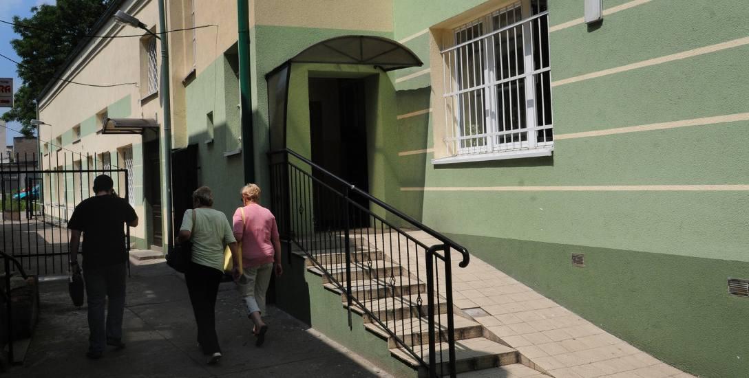 Domem, w którym mieszkało małżeństwo zarządza ROM przy ul. Gdańskiej w Bydgoszczy.