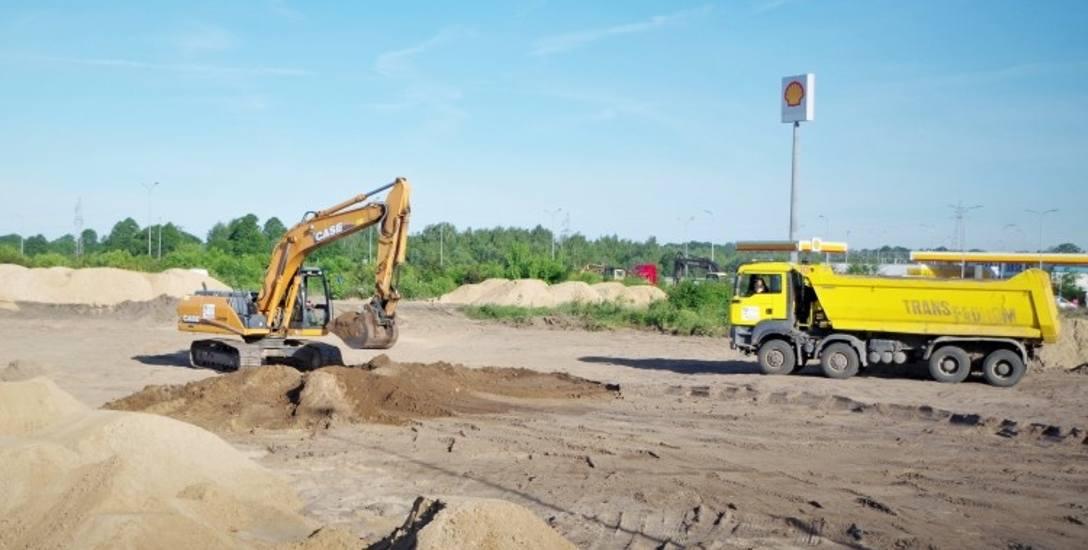 Prace ruszyły na początku czerwca. Ekipa budowlana musi teraz przygotować teren oraz doprowadzić niezbędne media