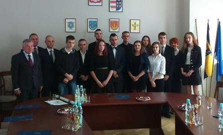 Stypendia dla uczniów, nagrody dla nauczycieli z powiatu tarnobrzeskiego