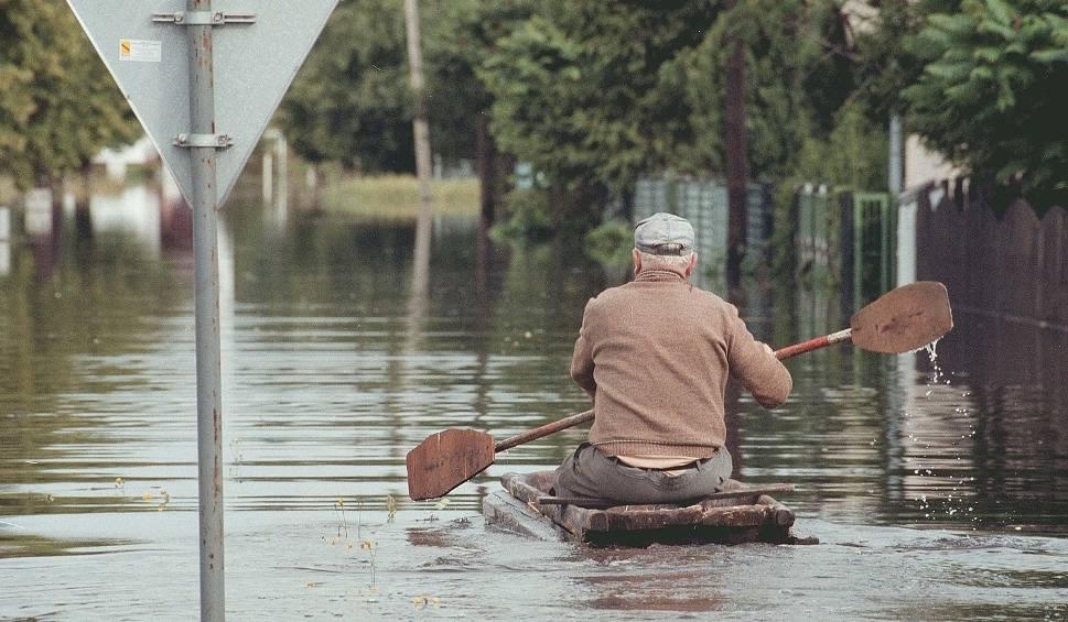 Film do artykułu: Kuźnia Raciborska: 150 m wału uratuje przed powodzią ZDJĘCIA