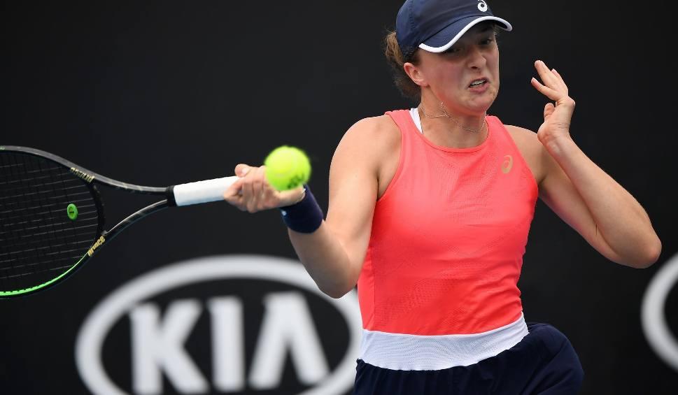 Film do artykułu: Australian Open. Dobry początek Igi Świątek. Babos bez szans. Trudniejsze wyzwanie czeka w drugiej rundzie.