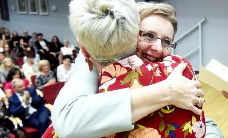 Z okazji Dnia Edukacji Narodowej w bibliotece wojewódzkiej im. Norwida odbyła się uroczystość, podczas której wręczono nagrody prezydenta miasta. Otrzymało