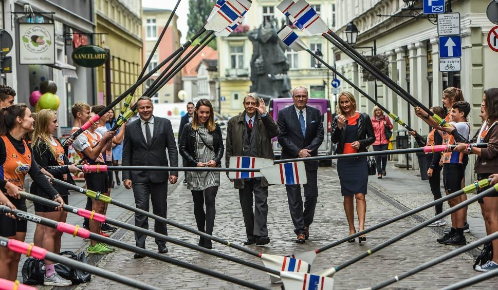 Film do artykułu: RTW Bydgostia bez pieniędzy z ministerstwa: Byłby cud, gdyby nie wąż w kieszeni [komentarz]