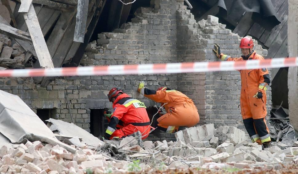 Film do artykułu: Katastrofa budowlana: runęła kamienica przy ul. Rewolucji 1905 r. nr 29. We wrześniu zawaliła się sąsiednia kamienica 25.10.2019