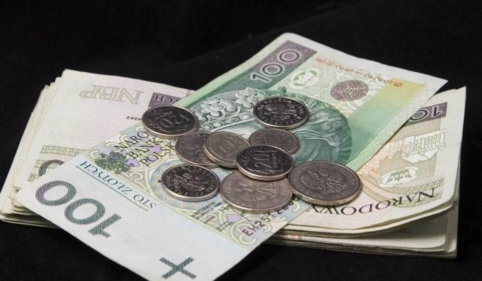 Film do artykułu: Płace 2010-2020. Porównaliśmy zarobki w Świętokrzyskiem. Nie uwierzycie jak się zmieniały [WIDEO]