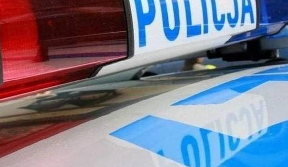 Film do artykułu: W Łopusznie samochód zderzył się z motocyklem. Jedna osoba ranna