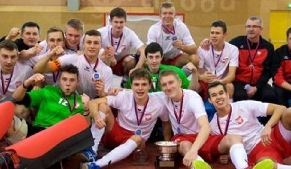 Film do artykułu: Młodzi polscy hokeiści na trawie mistrzami Europy
