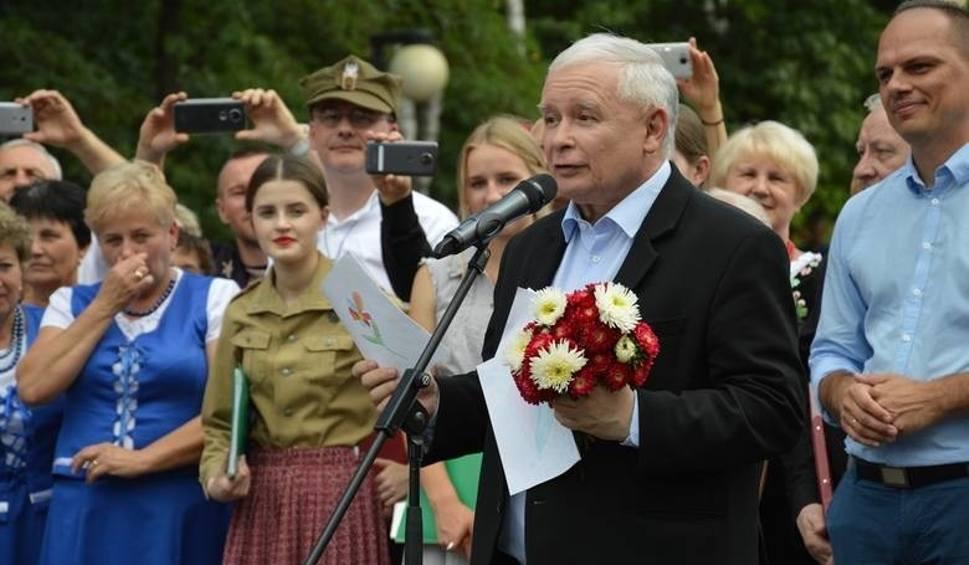 Film do artykułu: Aktywiści twierdzą, że sędzia z Tarnobrzega łamie prawo, by chronić Jarosława Kaczyńskiego!