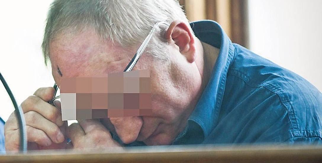 Podczas mów końcowych 62-letni Andrzej D. raz po raz wycierał łzy. - Żałuję, że do tego doszło - powiedział w ostatnim słowie