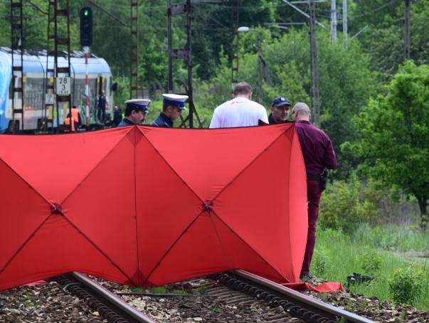 Jadący w kierunku Katowic pociąg osobowy, potrącił mężczyznę który wszedł na tory wprost pod nadjeżdżający skład kolejowy