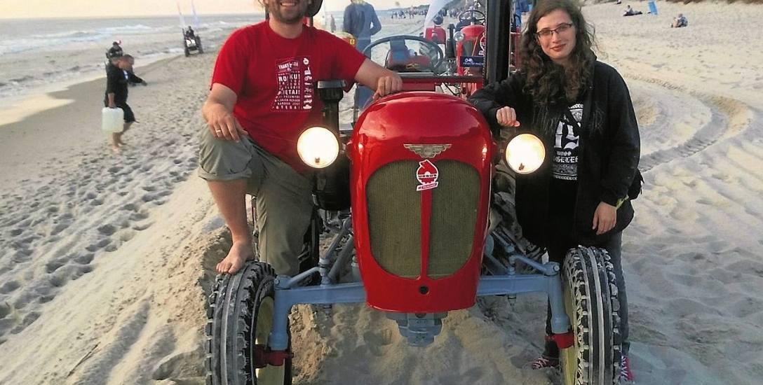 8 tysięcy kilometrów na traktorze. Jadą z Moniek do Etiopii