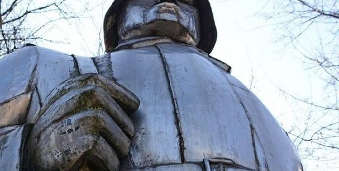 Pomnik żołnierzy w Dąbrowie Górniczej Łośniu zostanie rozebrany i przeniesiony