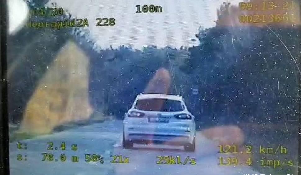 Film do artykułu: Pijany kierowca z gminy Nowogród Bobrzański przekroczył prędkość o ponad 50 km/h. Stracił prawo jazdy. Teraz stanie przed sądem