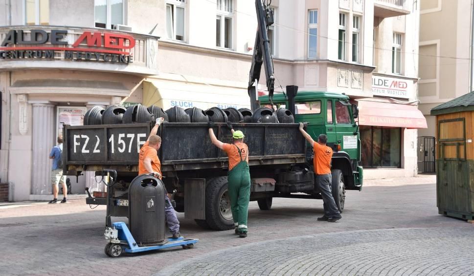 Film do artykułu: Winobranie 2021 za nami. Czas na wielkie sprzątanie w Zielonej Górze. Trwa też demontaż sceny. Co dzieje się na deptaku?