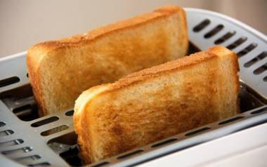 Wbrew pozorom chleb tostowy to nie wynalazek XX wieku. Tradycja jego wypieku sięga już bowiem II połowy XVIII wieku. W Holandii i we Francji zaczęto