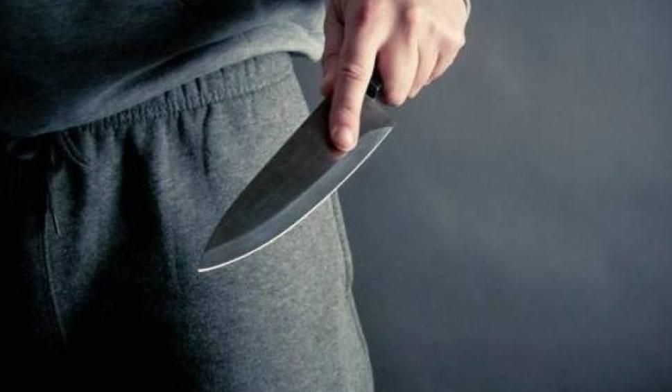 Film do artykułu: Najpierw dźgała partnera nożem, a potem zadzwoniła na pogotowie