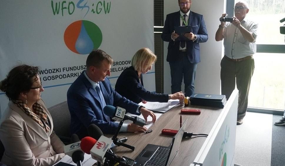 Film do artykułu: Program Czyste Powietrze dla mieszkańców gminy Staszów. Podpisano porozumienie [SZCZEGÓŁY]