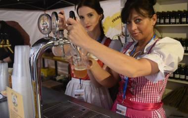 Jeszcze niedawno miłośnicy dobrych alkoholi zwiedzali francuskie i węgierskie winnice lub jeździli do Szkocji, by sączyć whisky. Teraz koneserzy zwracają