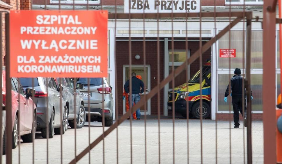 Film do artykułu: Zarażeni medycy i pacjenci szpitali. Marszałek województwa podaje liczby
