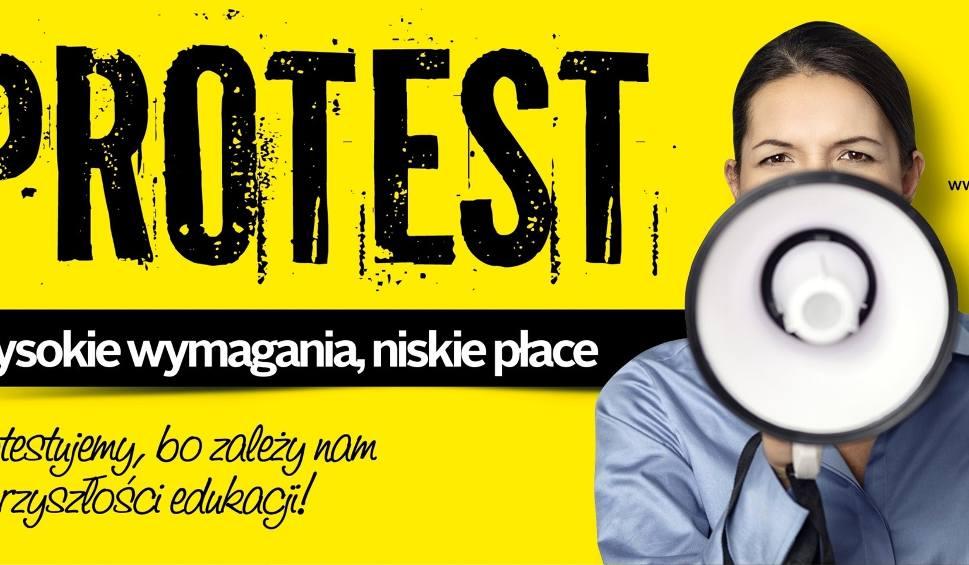 Film do artykułu: Strajk nauczycieli 2019 w powiecie kazimierskim - dzień 16. Matury... prawie pewne [RAPORT]