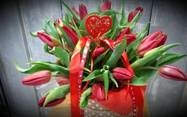 Kwiaty Na Walentynki 2019 Dla Niej I Dla Niego Jakie Kwiaty Kupić