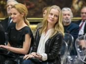 """Magdalena Cielecka uświetniła swoją obecnością krakowską premierę serialu """"Belle Epoque"""" w muzeum w Sukiennicach"""