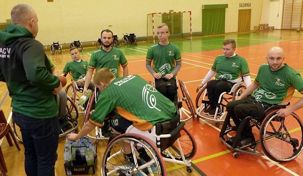Film do artykułu: Koszykarze na wózkach Pactum Scyzorów Kielce grali mecze ligowe. Odnieśli komplet zwycięstw