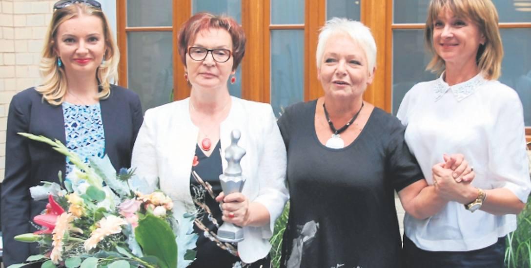 W Szczecinie rozstrzygnięty został wojewódzki etap konkursu Lady D.  Główną nagrodę i statuetkę zdobyła Krystyna Fijołek z Rymania.