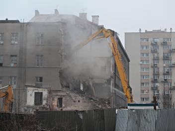 Kraków. Wyburzają budynek dawnego szpitala [GALERIA]