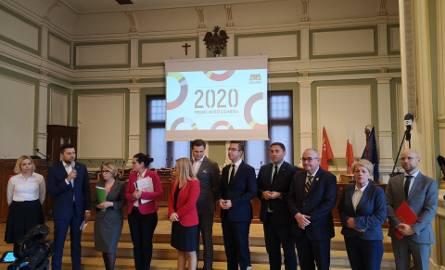 """Budżet Gdańska na 2020 rok z wyższymi dochodami, wydatkami oraz deficytem. Prezydent Aleksandra Dulkiewicz: """"To jest trudny budżet"""""""