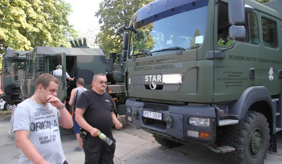 """Film do artykułu: W Nowej Dębie """"Militariada"""". Wieczorem koncert Brathanków"""