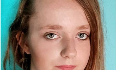 Zaginęła Sandra Polewska (lat 15) jest mieszkanką województwa wielkopolskiego. Dziewczyna miała przyjechać do Bydgoszczy, by spotkać się z poznanym przez