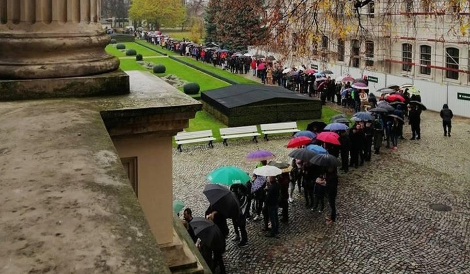 Film do artykułu: Muzeum w Kozłówce. Długa kolejka chętnych na darmowe zwiedzanie