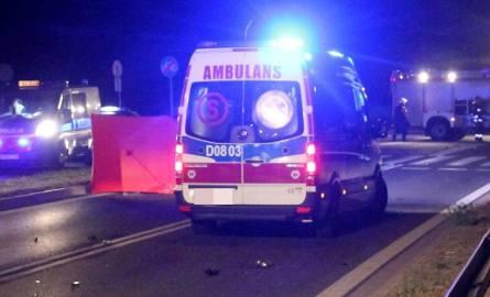 Zabiele: Tragiczny wypadek na DK 61. Kierowca ciężarówki uderzył w drzewo. Zmarł na miejscu