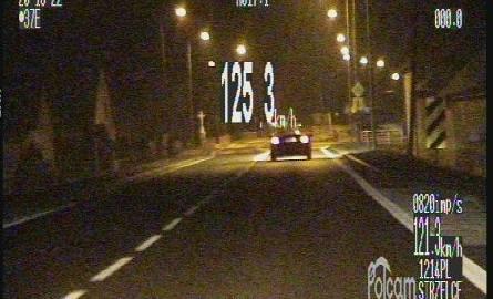 Kierowca BMW pędził 125 km/h w Warmątowicach. Stracił prawo jazdy