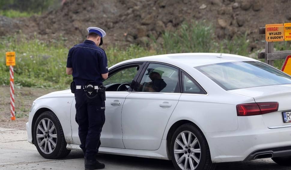 Film do artykułu: Od kiedy będzie można jeździć bez dowodu rejestracyjnego i potwierdzenia OC? Zmiany od 1 października 2018