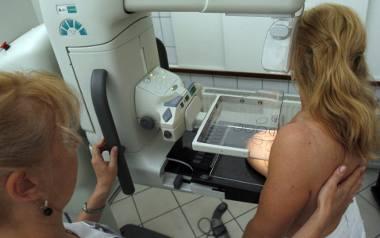 W profilaktyce onkologicznej ważną rolę odgrywa mammografia. Dla kobiet z mutacją genu BRCA1 zalecany jest rezonans magnetyczny.
