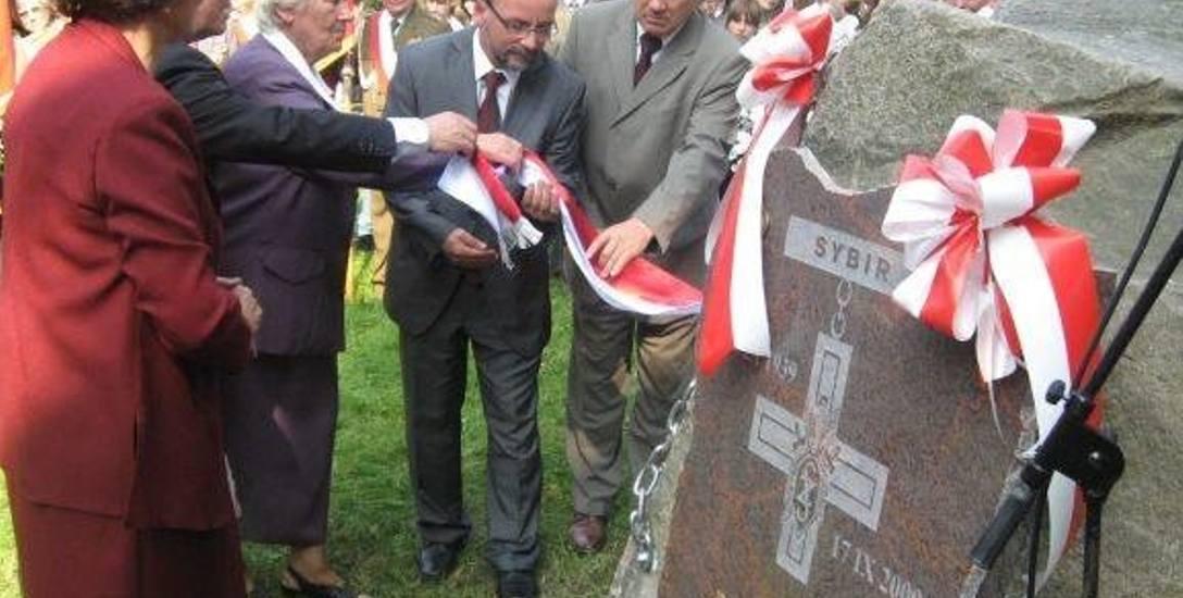 2009 roku, odsłonięcie Pomnika Sybiraków w Głuchołazach