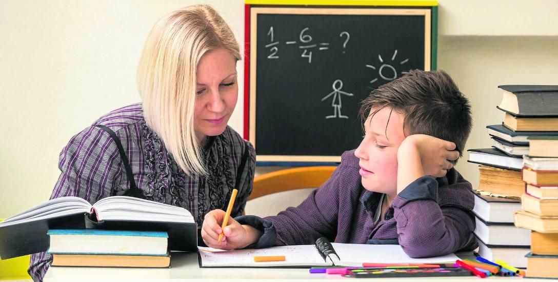 Najwięcej zapłacimy za korepetycje indywidualne. Jeśli chcemy, aby dziecko uczyło się w grupie, koszt godzinnych zajęć może być nawet siedmiokrotnie