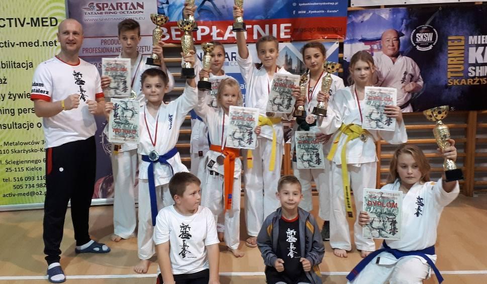 Film do artykułu: Udany start Koneckiego Klubu Karate Kyokushin na Międzynarodowym Turnieju w Skarżysku-Kamiennej