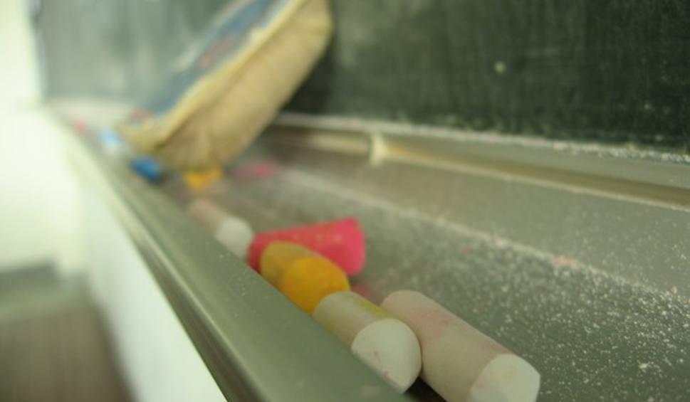 Film do artykułu: Koniec strajku nauczycieli w powiecie staszowskim! W środę we wszystkich szkołach zajęcia odbywały się normalnie [RAPORT]
