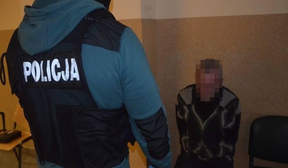 Film do artykułu: Gdańsk Siedlce. Zatrzymano mężczyznę podejrzanego o brutalne zabójstwo 55-latka [WIDEO]