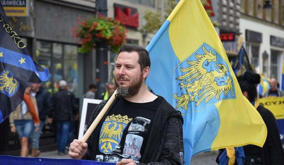 Film do artykułu: Marsz Autonomii Śląska już w sobotę. Kto weźmie udział? W marszu pójdzie tylko 150 Ślązaków