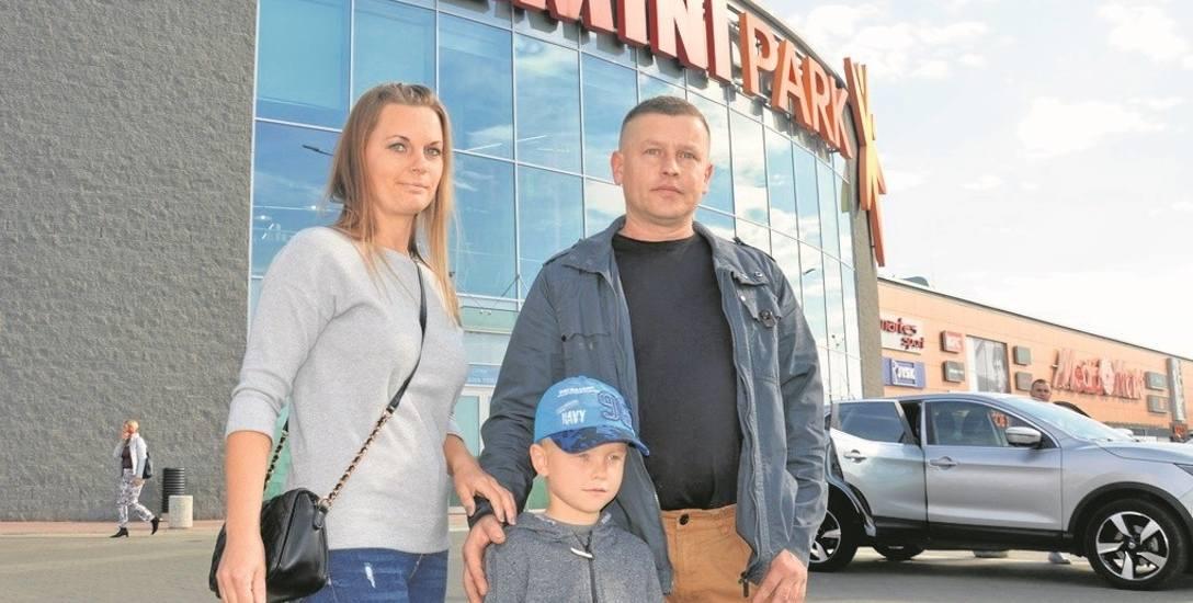 Mariusz Gontkiewicz często odwiedza galerię Gemini z żoną Iloną i synem Kamilem. Rodzina nie ma nic przeciwko rozbudowie centrum handlowego. Innego zdania